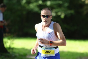 André loopt 165 ste Halve marathon.